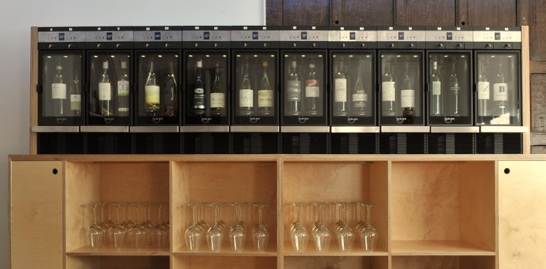 Integrated wine dispensing system
